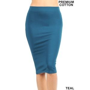 Zenana Outfitters Teal Cotton Basic Knee Skirt